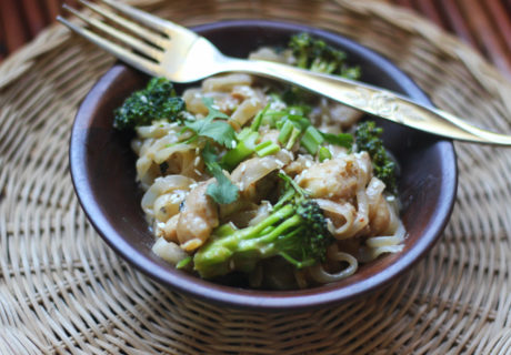 Shirataki noodles with Peanut Sauce