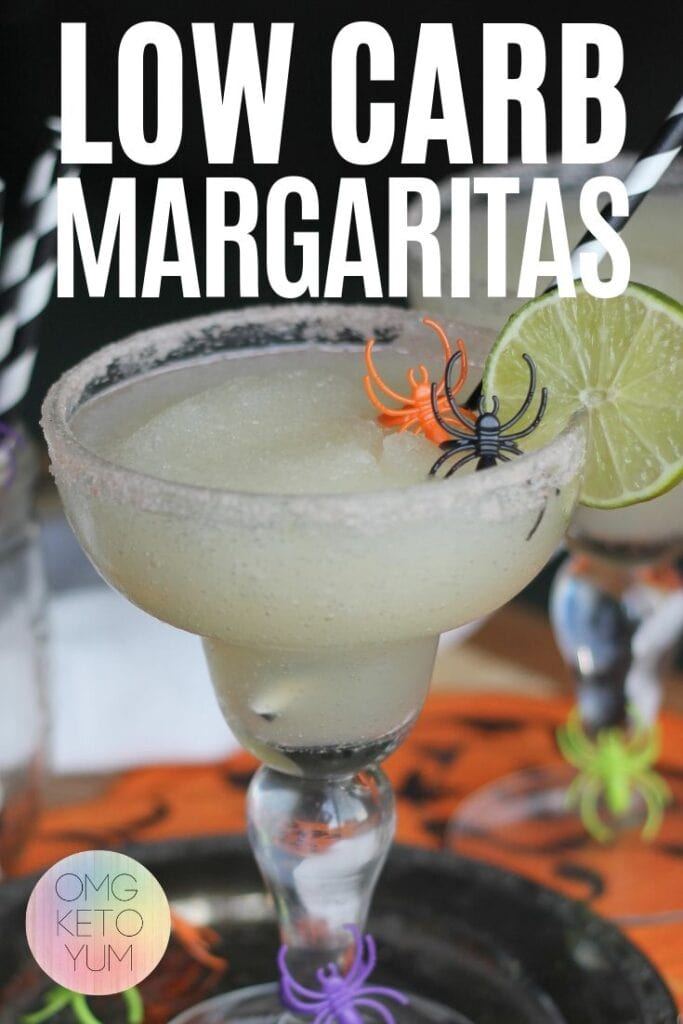 Zero Carb Margaritas that are perfect for your keto diet. Sugar free margaritas are the perfect keto alcoholic drink! Try this zero carb alcoholic drink tonight!