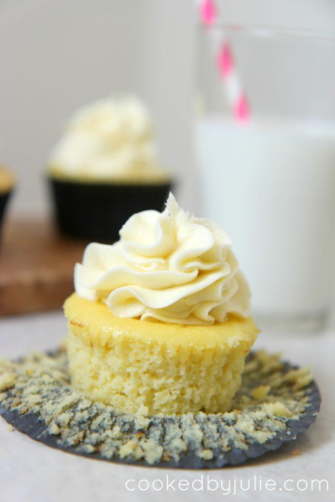 Vanilla Keto Cupcakes