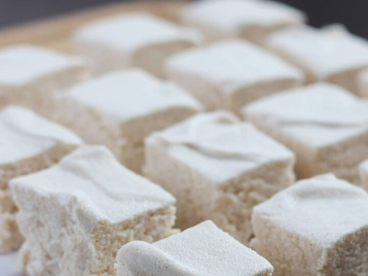Sugar free Homemade Marshmallows. These zero carb wonders are keto and sugar free. Spongey, soft sugar free marshmallows will keep your keto diet intact while loving your life!